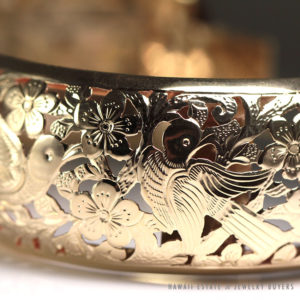 Ming's Hawaii Bird in Plum Blossom Large 30mm Hinged Bangle